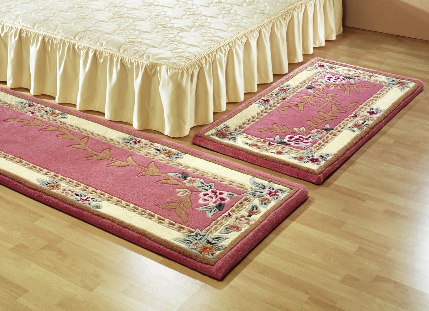 br cken teppiche und bettumrandung mit aubousson muster teppiche brigitte hachenburg. Black Bedroom Furniture Sets. Home Design Ideas