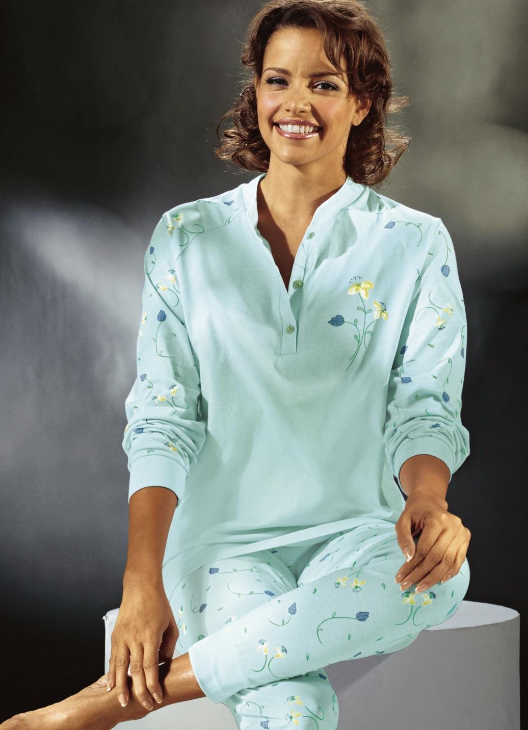 Schlafanzug in 2 farben langarm mit knopfleiste und for Brigitte hachenburg modekatalog