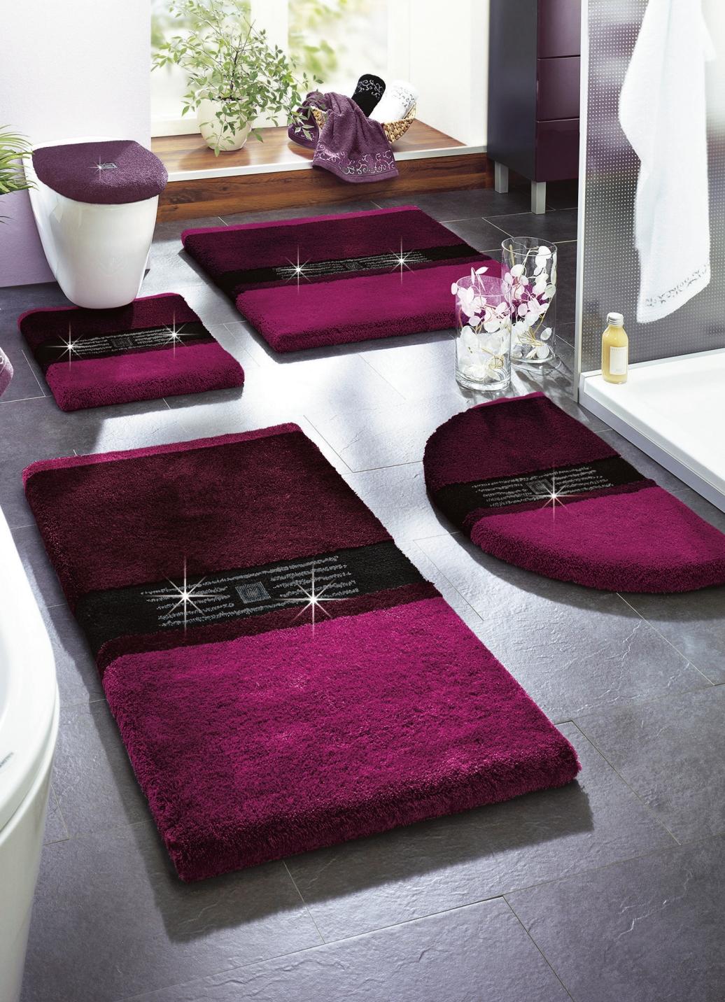 grund badgarnitur in verschiedenen farben badezimmer. Black Bedroom Furniture Sets. Home Design Ideas