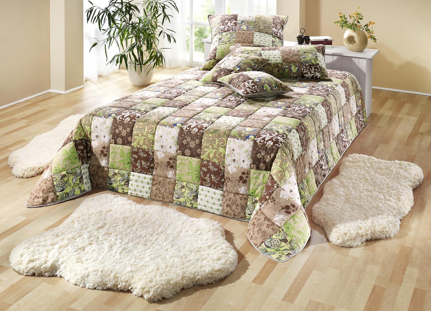 dreams tagesdecke in patchwork optik verschiedene. Black Bedroom Furniture Sets. Home Design Ideas