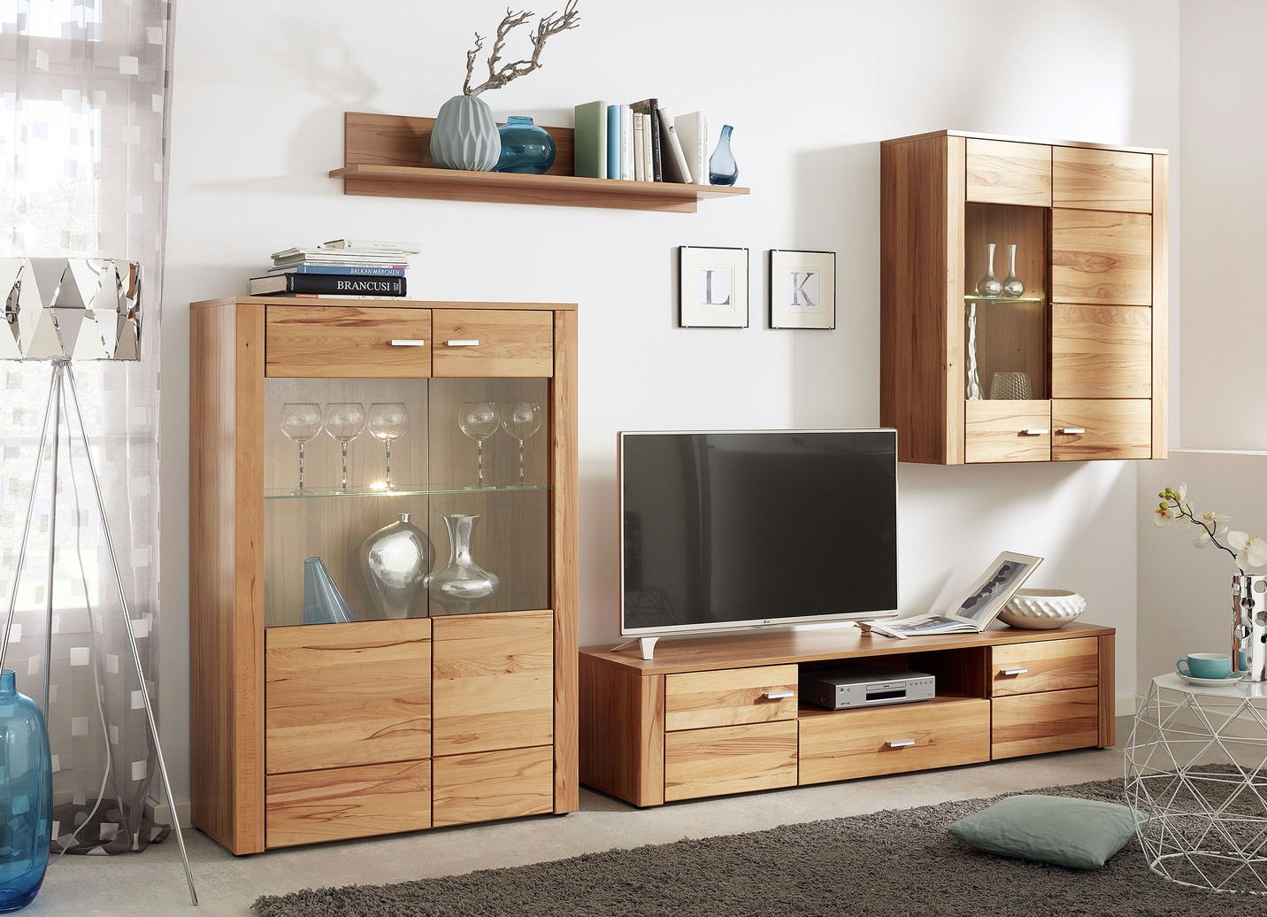 wohnwand mit glasb den mit led beleuchtung wohnzimmer. Black Bedroom Furniture Sets. Home Design Ideas