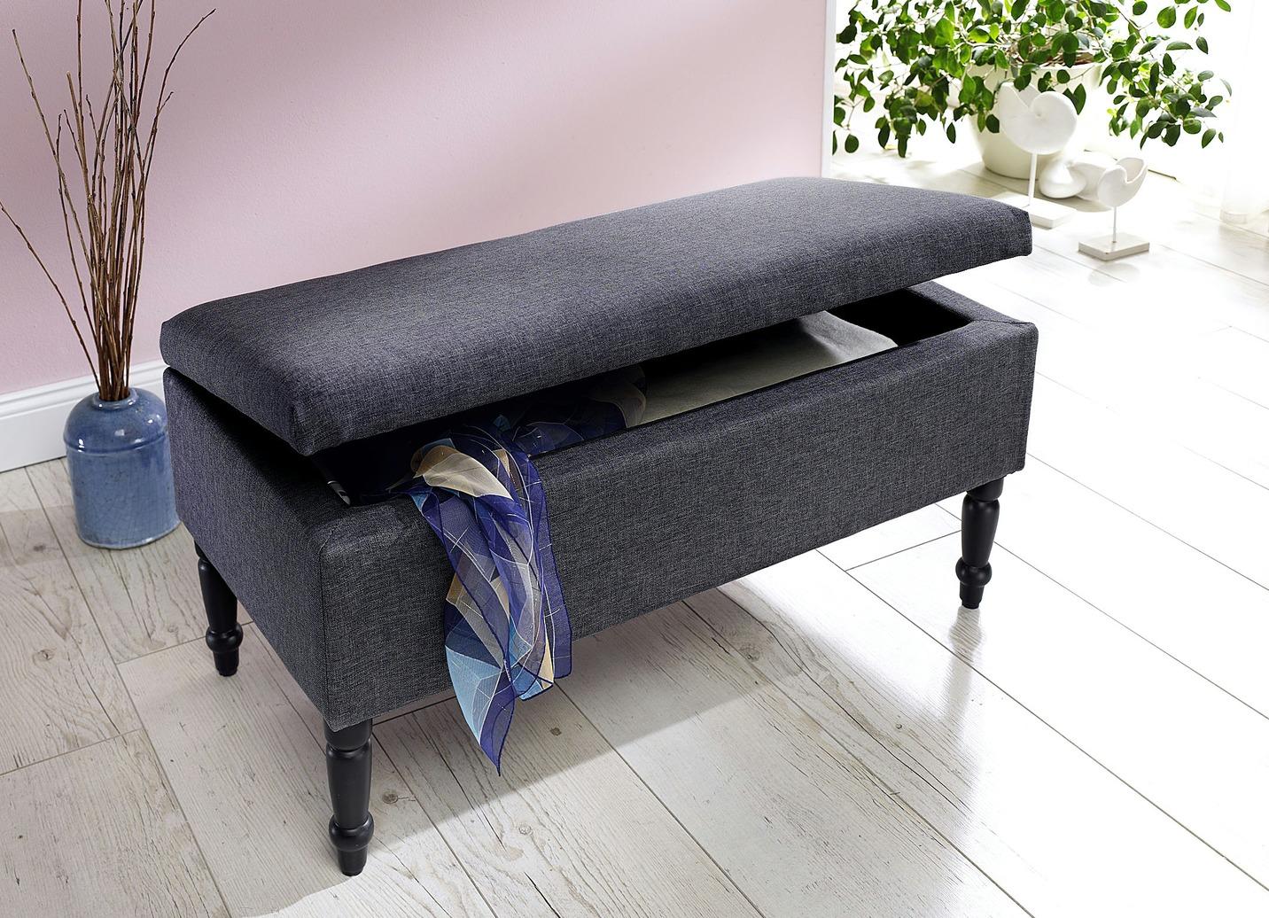 truhenbank mit viel stauraum schlafzimmer brigitte hachenburg. Black Bedroom Furniture Sets. Home Design Ideas
