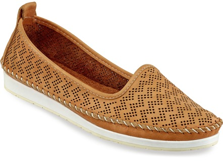 Pfiffiger Mokassin-Slipper in 6 Farben mit luftiger Perforation