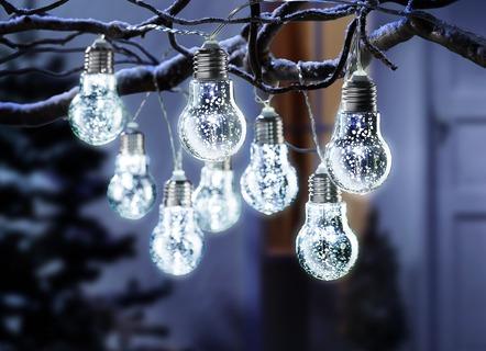 lichterkette gl hbirnen in 2 farben weihnachten brigitte hachenburg. Black Bedroom Furniture Sets. Home Design Ideas