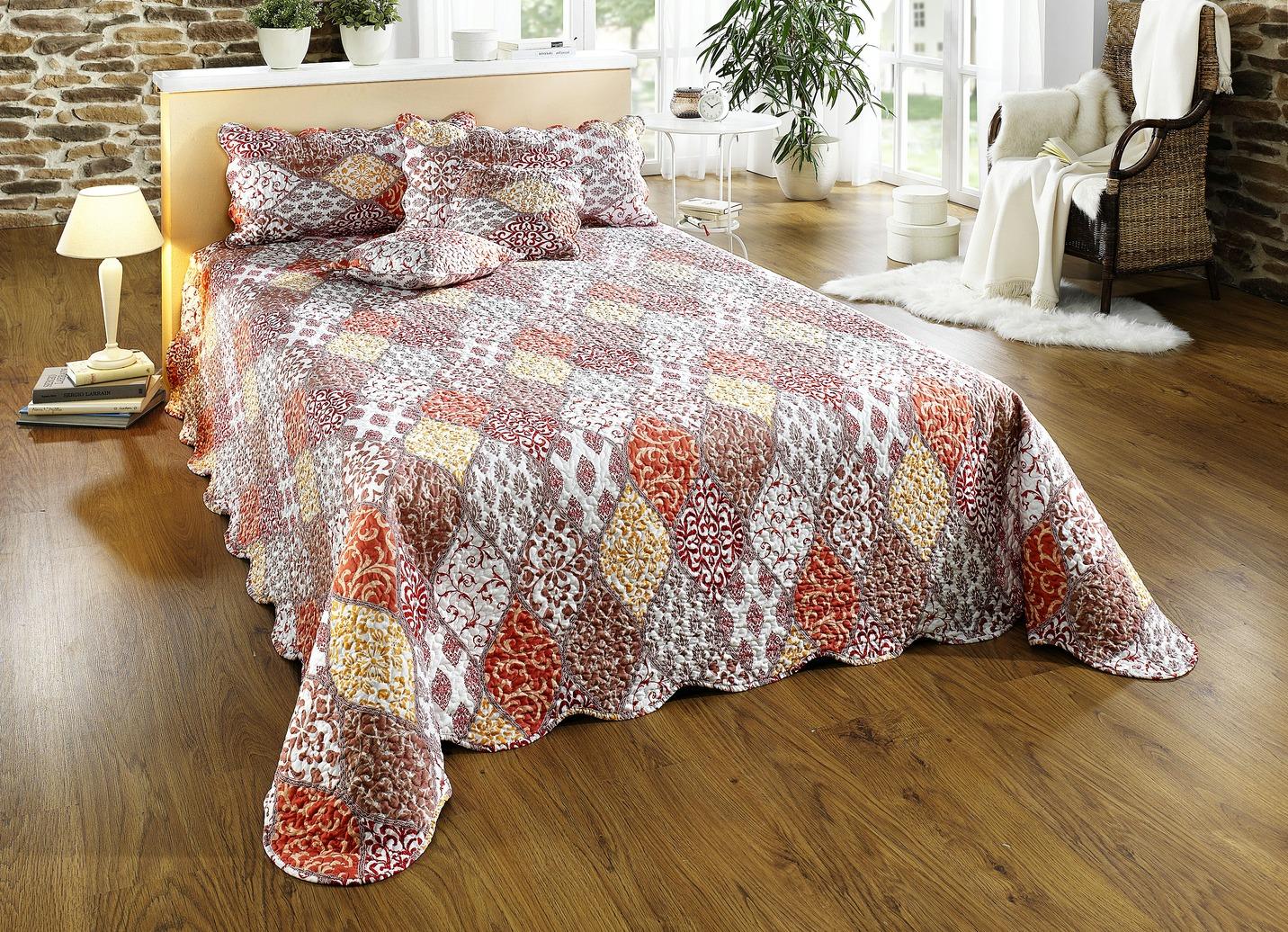 dreams tagesdecke in verschiedenen ausf hrungen. Black Bedroom Furniture Sets. Home Design Ideas