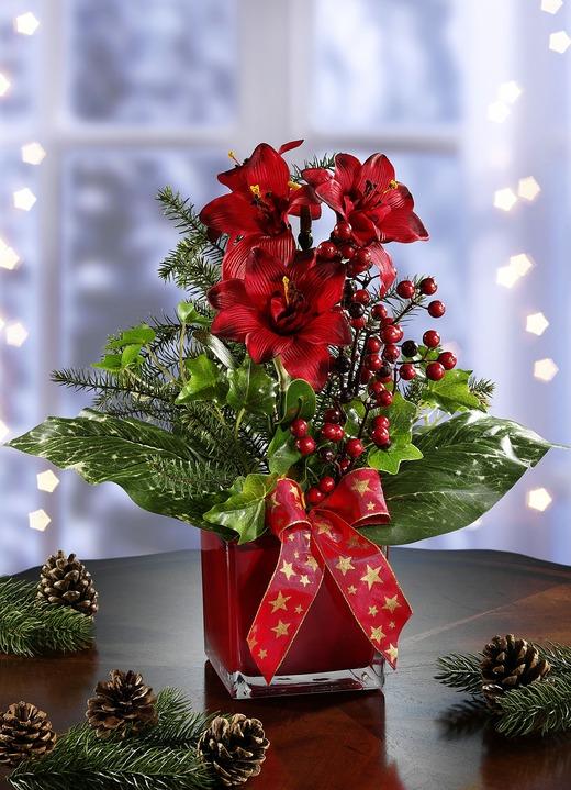 amaryllis gesteck in vase gestecke kr nze brigitte hachenburg. Black Bedroom Furniture Sets. Home Design Ideas